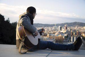 Albert Pastor presenta el nou single La noia Karaoke